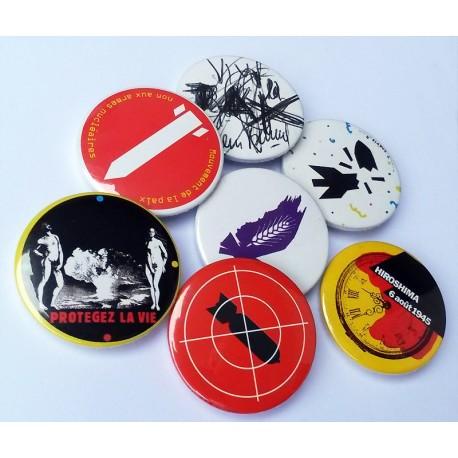 Lot de 7 badges Collector